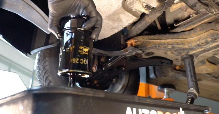 Tausch Tutorial Innenraumfilter am OPEL Astra H Limousine (A04) 2011 wechselt - Tipps und Tricks