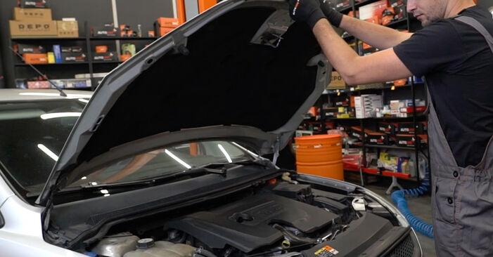 Wie Ansaugschlauch, Luftfilter Ford Focus mk2 Limousine 1.6 TDCi 2005 tauschen - Kostenlose PDF- und Videoanleitungen