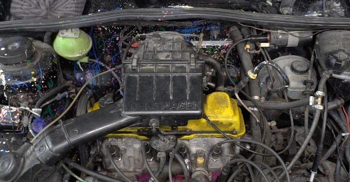 Jak vyměnit Rotor rozdělovače na VW GOLF II (19E, 1G1) 1985 - tipy a triky