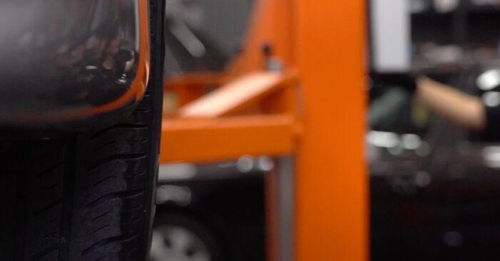 Wie schwer ist es, selbst zu reparieren: Kraftstoffpumpe BMW E39 Touring 530i 3.0 2002 Tausch - Downloaden Sie sich illustrierte Anleitungen