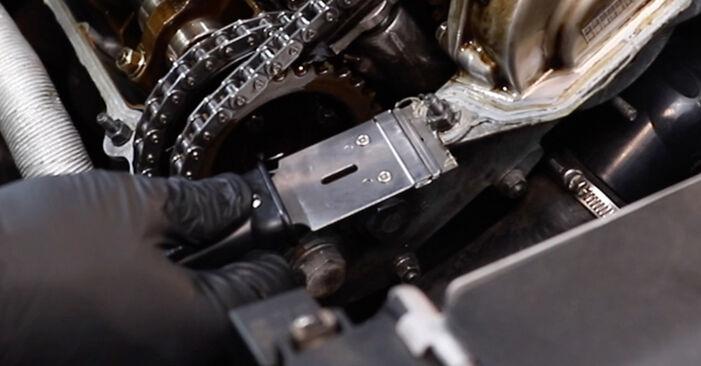 Wie schwer ist es, selbst zu reparieren: Ventildeckeldichtung BMW E36 323i 2.5 1996 Tausch - Downloaden Sie sich illustrierte Anleitungen