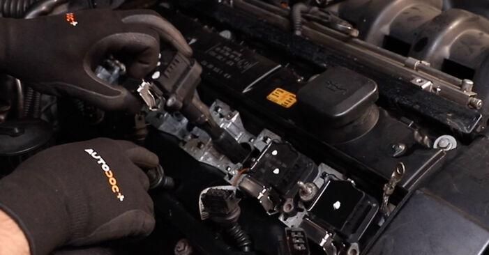 Ventildeckeldichtung BMW E36 325i 2.5 1992 wechseln: Kostenlose Reparaturhandbücher