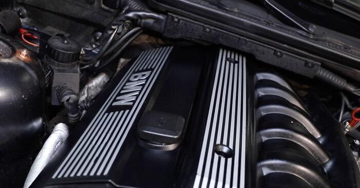 Zweckdienliche Tipps zum Austausch von Ventildeckeldichtung beim BMW 3 Limousine (E36) 325i 2.5 1995