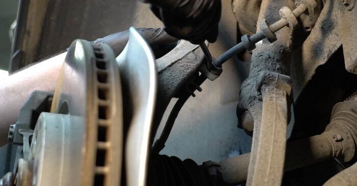 Pasikeiskite AUDI A4 Sedanas (8K2, B8) 2.7 TDI 2012 Amortizatorius patys - internetinė instrukcija
