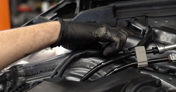 Kaip pakeisti Amortizatorius AUDI A4 Sedanas (8K2, B8) 2012: atsisiųskite PDF instrukciją ir vaizdo pamokas