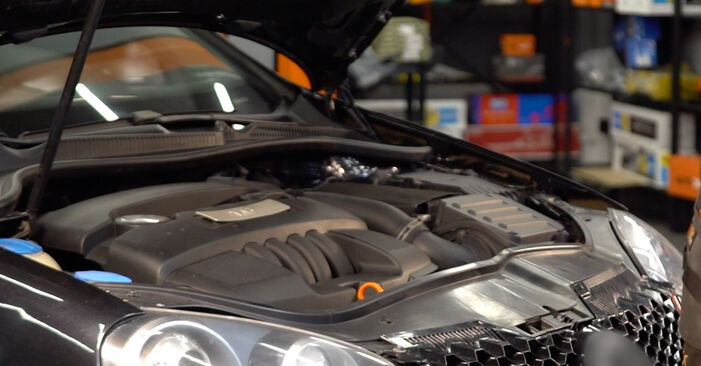 Wie Verschleißanzeige Bremsbeläge Mercedes W211 E 220 CDI 2.2 (211.006) 2002 tauschen - Kostenlose PDF- und Videoanleitungen