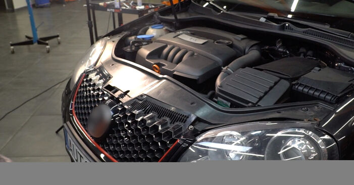 Tausch Tutorial Verschleißanzeige Bremsbeläge am MERCEDES-BENZ E-Klasse Limousine (W211) 2006 wechselt - Tipps und Tricks