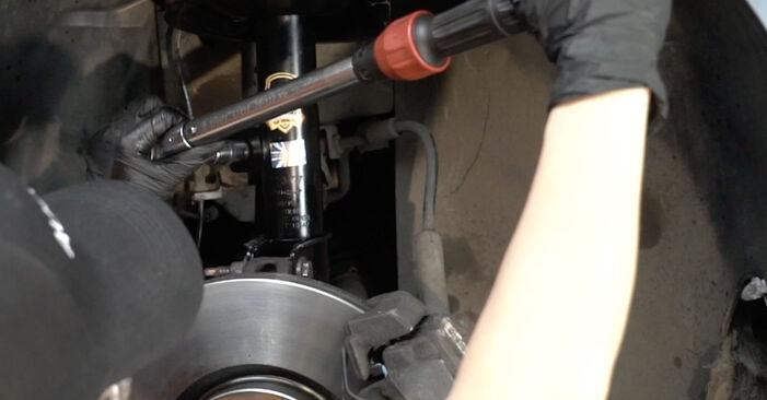 Schritt-für-Schritt-Anleitung zum selbstständigen Wechsel von Peugeot 307 SW 2007 2.0 HDi 135 Koppelstange