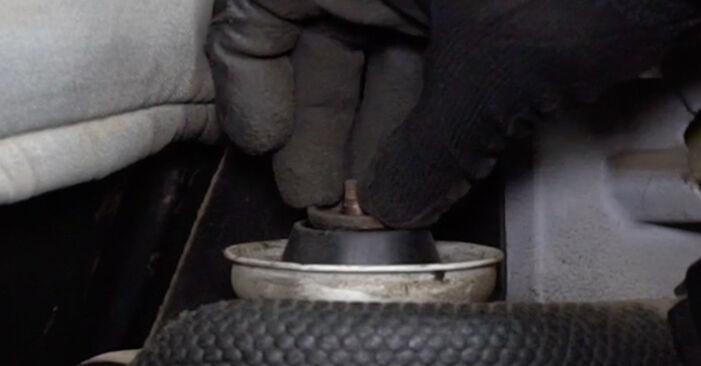 VW GOLF 1998 Zawieszenie instrukcja wymiany krok po kroku