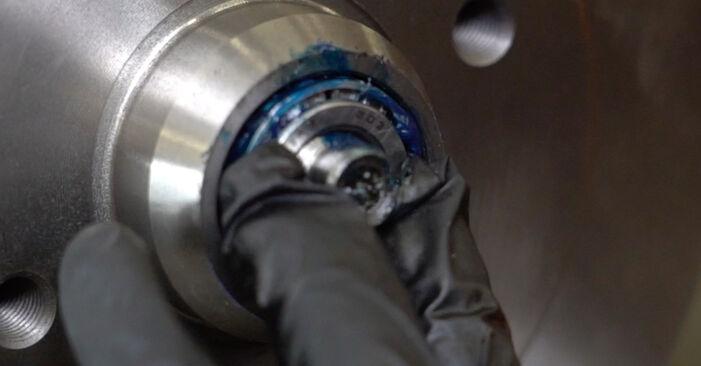 Tausch Tutorial Bremstrommel am VW GOLF III (1H1) 1995 wechselt - Tipps und Tricks