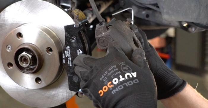 VW GOLF 2.8 VR6 Kerékcsapágy cseréje: online leírások és videó-útmutatók