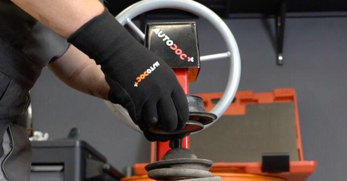 VW GOLF 1998 Horné Uloženie Tlmiča návod na výmenu, krok po kroku