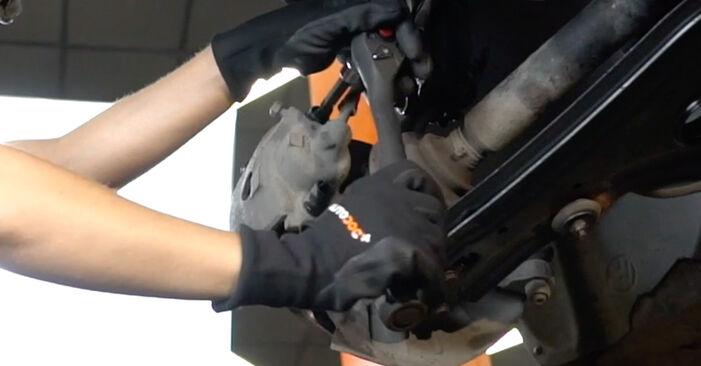 Bremsbeläge beim VW GOLF 1.4 1998 selber erneuern - DIY-Manual