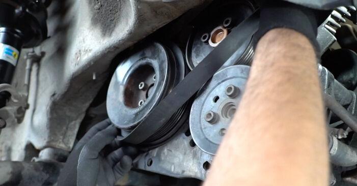 Comment changer Courroie Trapézoïdale à Nervures sur VW Golf III 1991 - Manuels PDF et vidéo gratuits