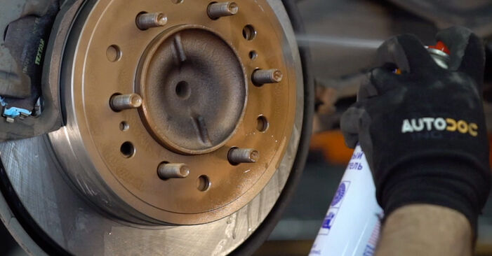 Wie schwer ist es, selbst zu reparieren: Stoßdämpfer Toyota Prado J120 3.0 D 2008 Tausch - Downloaden Sie sich illustrierte Anleitungen
