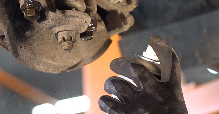 Austauschen Anleitung Federn am Toyota Prado J120 2003 3.0 D-4D selbst