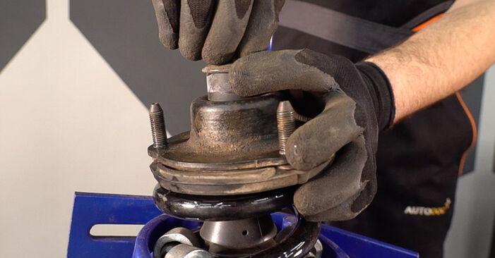 Stoßdämpfer Toyota Prado J120 3.0 D 2004 wechseln: Kostenlose Reparaturhandbücher