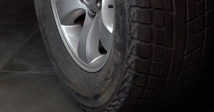 Schritt-für-Schritt-Anleitung zum selbstständigen Wechsel von Toyota Prado J120 2006 3.0 D-4D Stoßdämpfer
