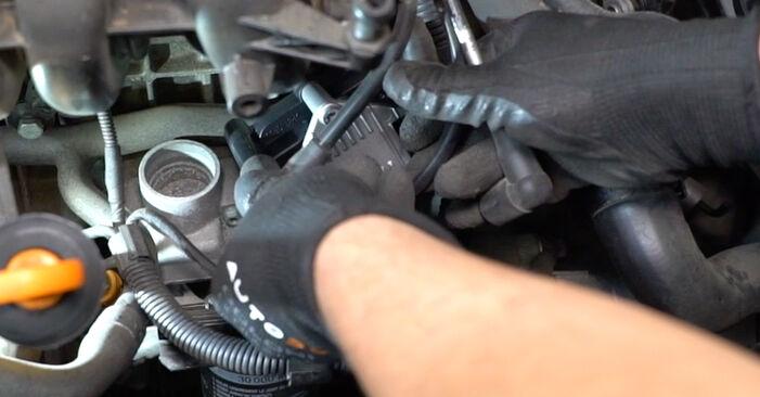 Tausch Tutorial Zündspule am VW Golf V Schrägheck (1K1) 2008 wechselt - Tipps und Tricks