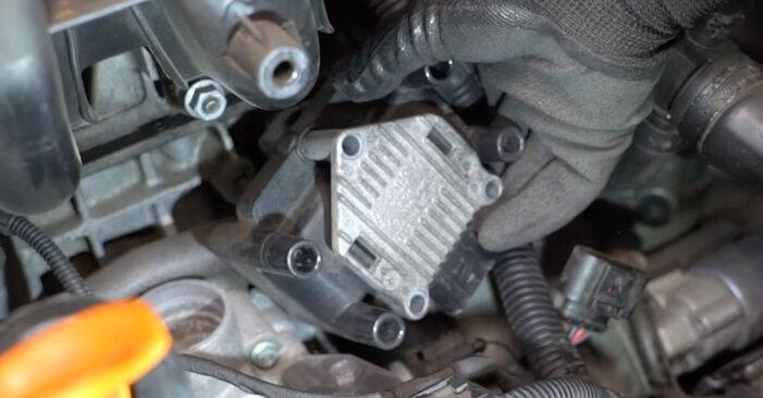 Zündspule beim VW GOLF 3.2 R32 4motion 2003 selber erneuern - DIY-Manual