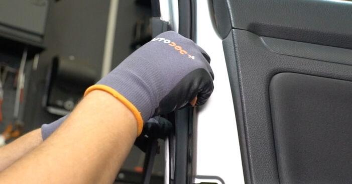 Wie Türschloß VW Golf V Schrägheck (1K1) 1.6 2004 austauschen - Schrittweise Handbücher und Videoanleitungen