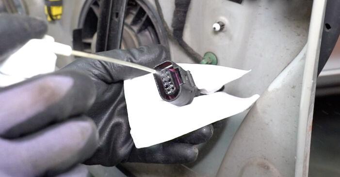 Türschloß am VW Golf V Schrägheck (1K1) 1.4 16V 2008 wechseln – Laden Sie sich PDF-Handbücher und Videoanleitungen herunter