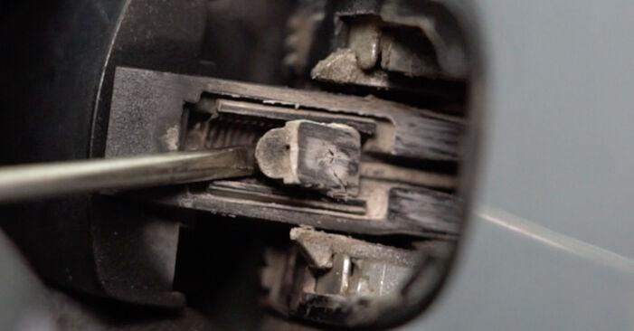 Wie VW GOLF 2.0 TDI 16V 2007 Türschloß ausbauen - Einfach zu verstehende Anleitungen online