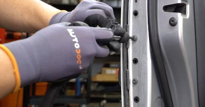 Türschloß beim VW GOLF 3.2 R32 4motion 2003 selber erneuern - DIY-Manual