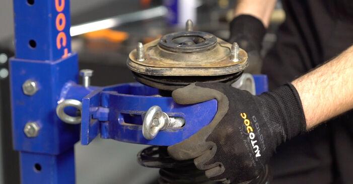 Смяна на Toyota RAV4 III 2.0 4WD (ACA30_) 2007 Пружинно окачване: безплатни наръчници за ремонт