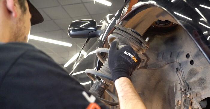 Wechseln Stoßdämpfer am TOYOTA RAV 4 III (ACA3_, ACE_, ALA3_, GSA3_, ZSA3_) 2.0 4WD (ZSA30_) 2008 selber