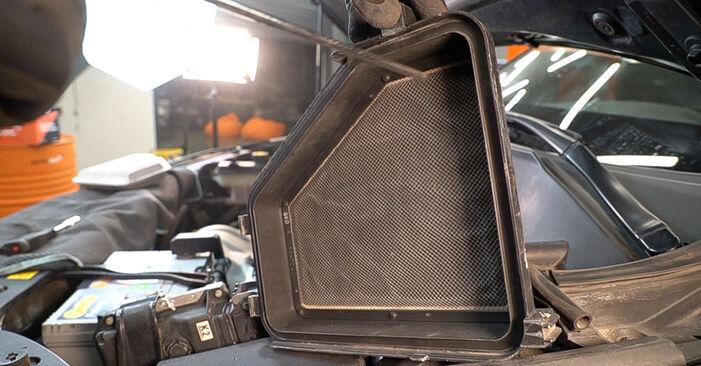 Luftfilter Ihres Toyota RAV4 III 2.2 D 4WD (ALA30_) 2013 selbst Wechsel - Gratis Tutorial