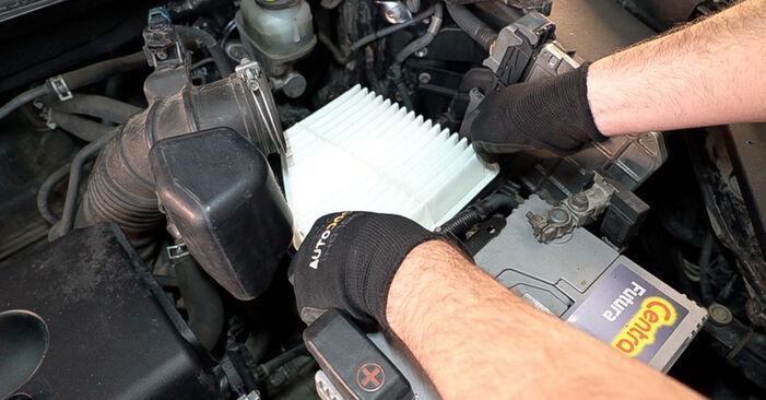 TOYOTA RAV4 2.0 4WD (ACA30_) Luftfilter ausbauen: Anweisungen und Video-Tutorials online