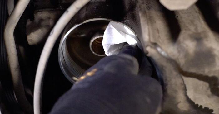 Wymiana Filtr oleju Volvo V70 SW 1999 - darmowe instrukcje PDF i wideo