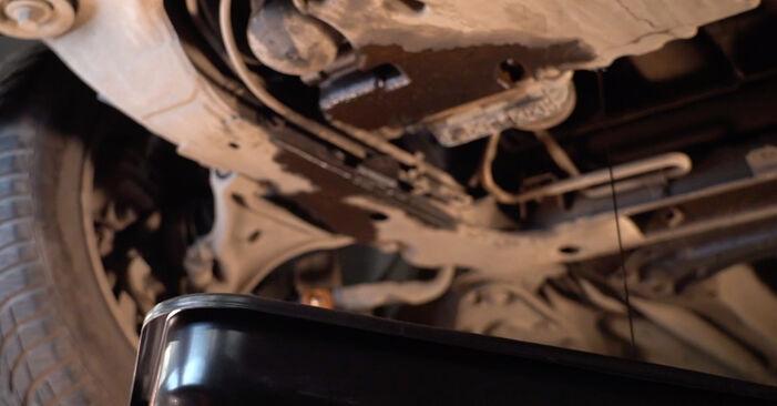 Ile czasu zajmuje wymiana: Filtr oleju w Volvo V70 SW 2007 - pouczająca instrukcja w formacie PDF