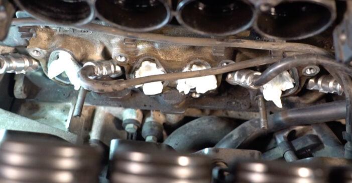 Wechseln Zündkerzen am VW Golf IV Schrägheck (1J1) 1.9 TDI 2000 selber