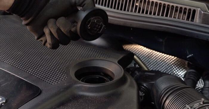 Wie Ölfilter VW Golf IV Schrägheck (1J1) 1.6 1998 austauschen - Schrittweise Handbücher und Videoanleitungen