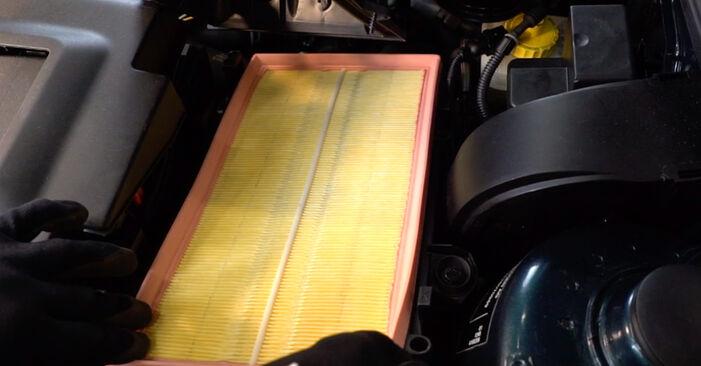Golf IV Hatchback (1J1) 1.8 T 1999 Gaisa filtrs patstāvīgas nomaiņas remonta rokasgrāmata