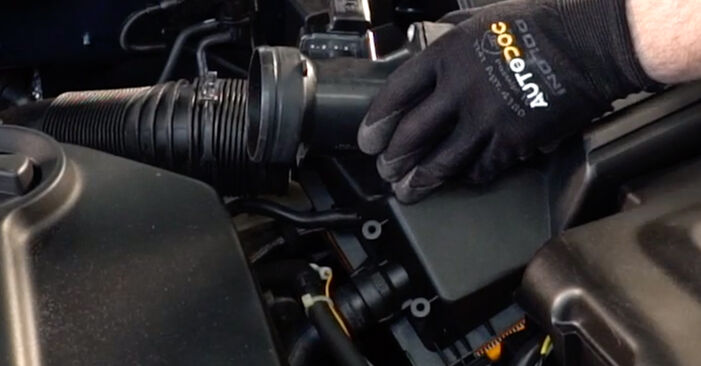Kā nomainīt Gaisa filtrs VW Golf IV Hatchback (1J1) 2002 - lejupielādējiet PDF rokasgrāmatas un video instrukcijas