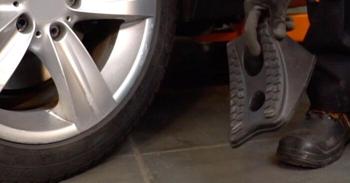Bytte BMW 3 SERIES 330xd 3.0 Støtdemper: Veiledninger og videoer på nettet