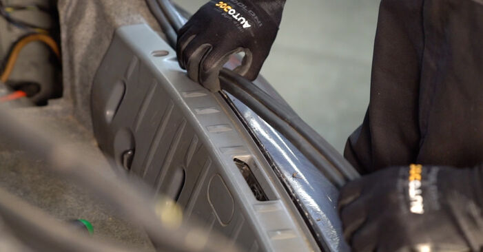 Hvordan skifte Støtdemper på BMW 3 Coupé (E92) 2010: Last ned PDF- og videoveiledninger