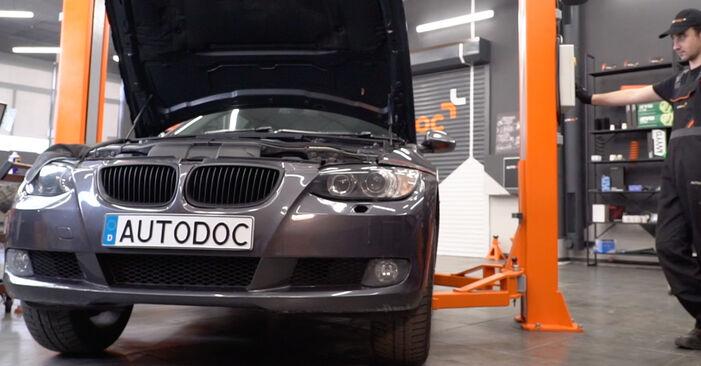 Federn am BMW 3 Coupe (E92) M3 4.0 2010 wechseln – Laden Sie sich PDF-Handbücher und Videoanleitungen herunter