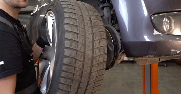 Federn beim BMW 3 SERIES 325d 3.0 2012 selber erneuern - DIY-Manual