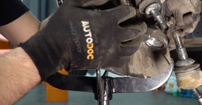 Kako zamenjati Blazilnik na BMW 3 Coupe (E92) 2010 - prenesite PDF priročnike in video navodila