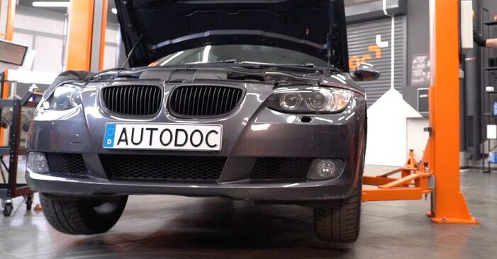 Wie Koppelstange BMW 3 Coupe (E92) 320d 2.0 2006 austauschen - Schrittweise Handbücher und Videoanleitungen