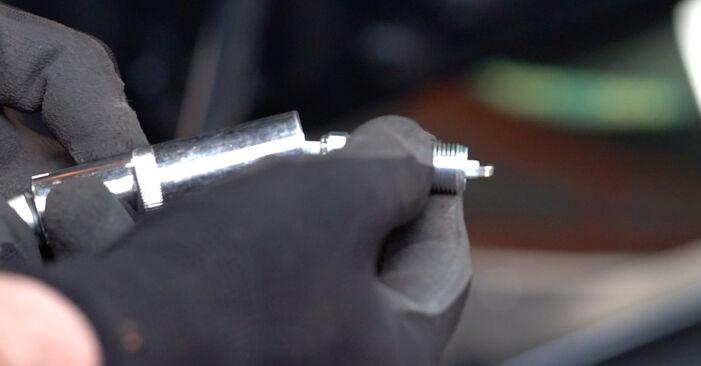 Wechseln Zündkerzen am BMW 3 Coupe (E92) 330d 3.0 2008 selber