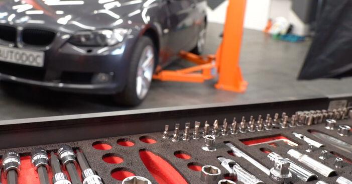Tausch Tutorial Luftfilter am BMW 3 Coupe (E92) 2008 wechselt - Tipps und Tricks