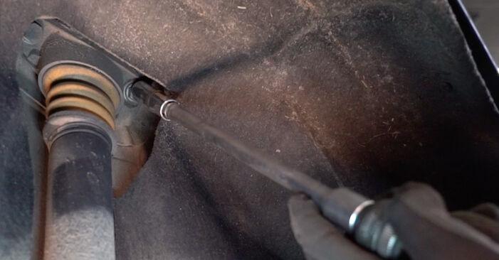 Svojpomocná výmena VW Golf V Hatchback (1K1) 2.0 GTI 2003 Tlmič pruzenia – online tutoriál