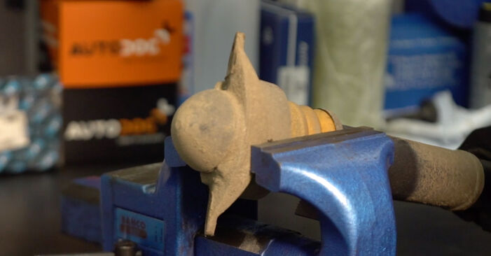Ako vymeniť VW Golf V Hatchback (1K1) 1.9 TDI 2004 Tlmič pruzenia – návody a video tutoriály krok po kroku.