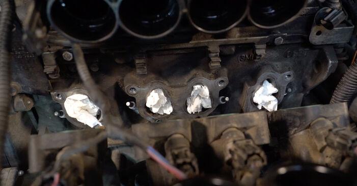 Tausch Tutorial Zündkerzen am VW Golf V Schrägheck (1K1) 2008 wechselt - Tipps und Tricks