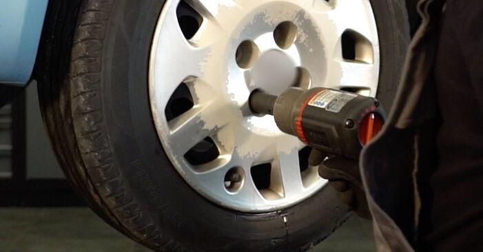 Trocar Braço De Suspensão no FIAT PUNTO (188) 1.9 JTD 80 2002 por conta própria